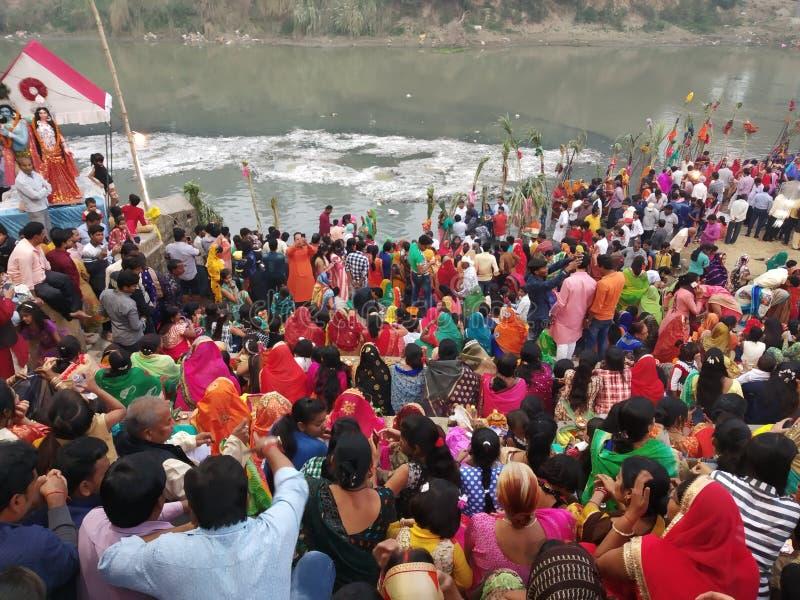 Σκηνή Pooja Chhath Azamgarh, Ουτάρ Πραντές στοκ φωτογραφία με δικαίωμα ελεύθερης χρήσης