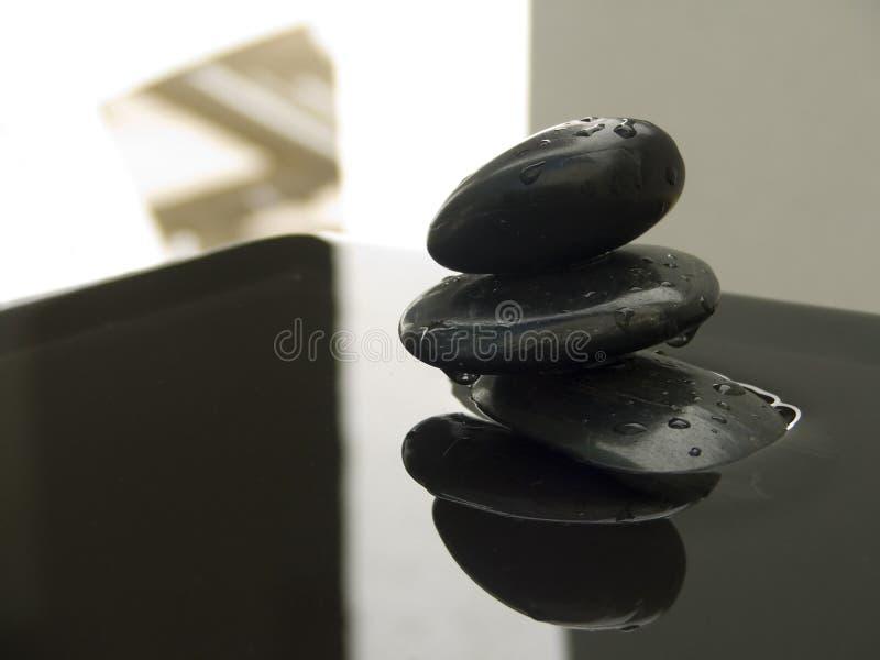 σκιά βράχων zen στοκ εικόνα με δικαίωμα ελεύθερης χρήσης