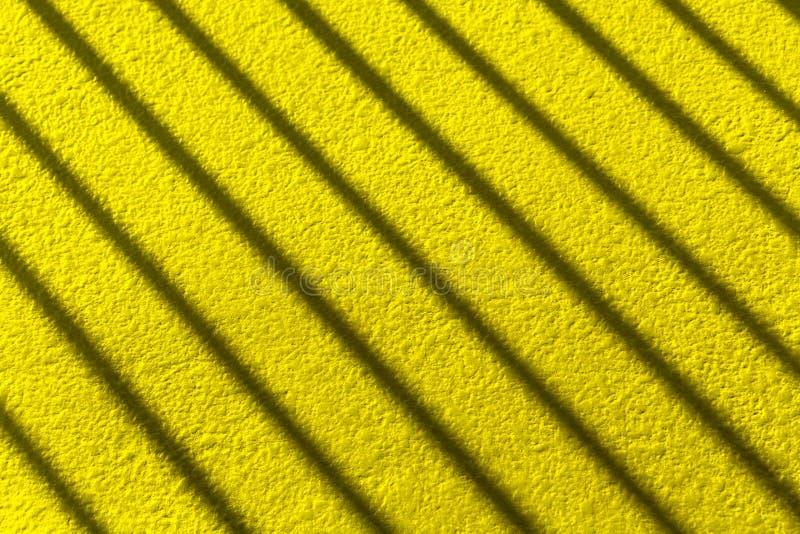 Σκιά λωρίδων στον τοίχο στοκ εικόνες με δικαίωμα ελεύθερης χρήσης