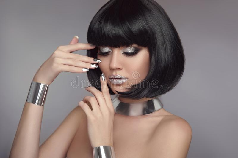 Σκιά Makeup, ασημένια καρφιά ματιών ομορφιάς στιλβωτικής ουσίας Manicured Hai βαριδιών στοκ εικόνα