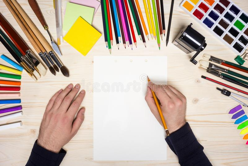 Σκιαγράφηση καλλιτεχνών στοκ φωτογραφία με δικαίωμα ελεύθερης χρήσης