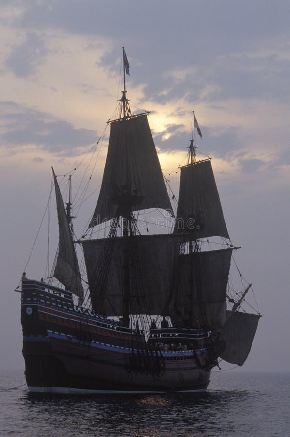 Σκιαγραφία ενός αντιγράφου Mayflower ΙΙ, Πλύμουθ, Μασαχουσέτη στοκ φωτογραφίες με δικαίωμα ελεύθερης χρήσης