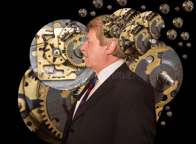 Σκιαγραφία ενός ατόμου με έναν εγκέφαλο φιαγμένο επάνω από έργα μερών μηχανών εργαλείων ή βαραίνω στοκ εικόνα
