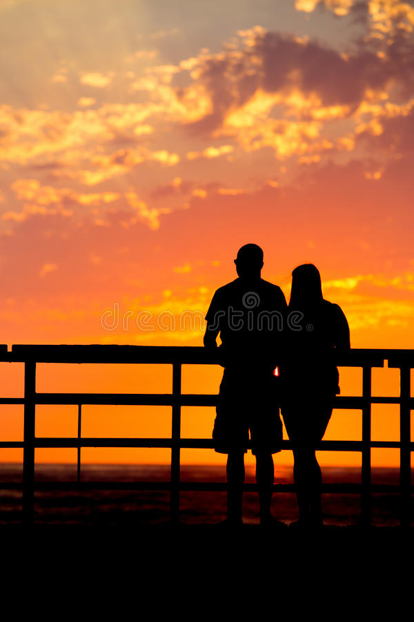 Download Σκιαγραφία ηλιοβασιλέματος στοκ εικόνες. εικόνα από κύμα - 62715008
