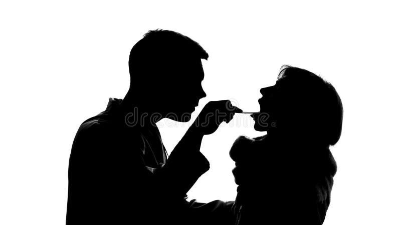 Σκιαγραφία παθολόγων που ελέγχει τον ανεπαρκή λαιμό γυναικών, επιδημικός ιός, ασθένεια γρίπης στοκ εικόνες