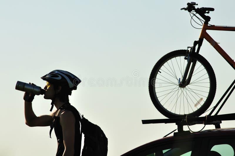 σκιαγραφία ποδηλατών στοκ εικόνα