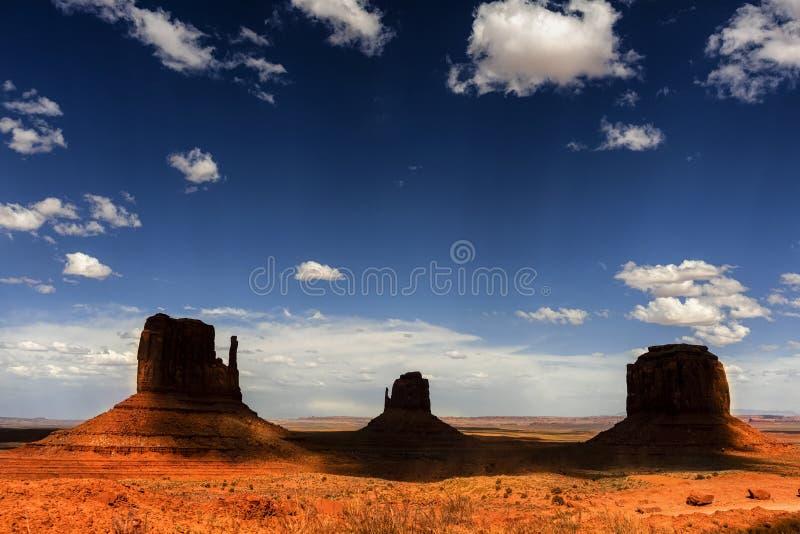 Σκιαγραφία της κόκκινης κοιλάδας μνημείων, Αριζόνα, Utha στοκ εικόνα