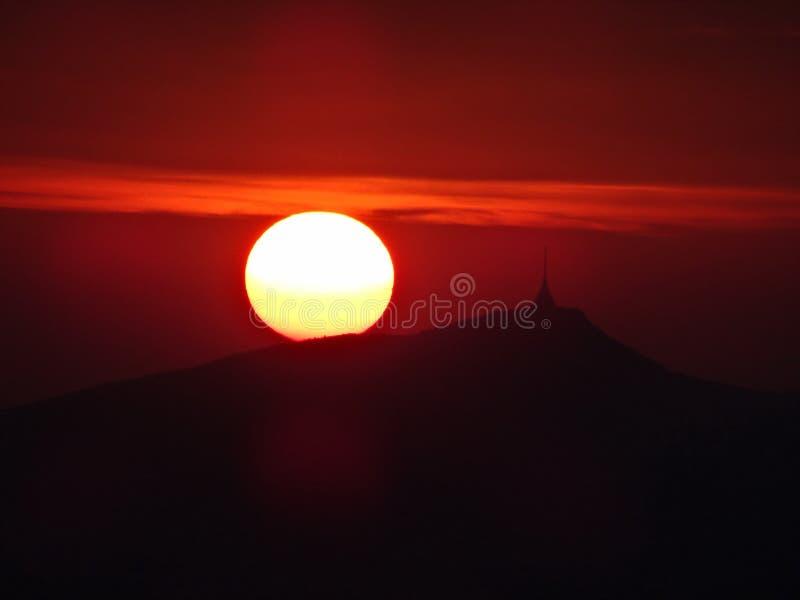 Σκιαγραφία του βουνού Jested στοκ φωτογραφία με δικαίωμα ελεύθερης χρήσης