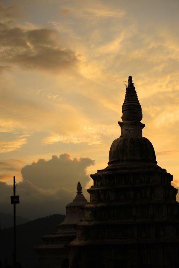 Σκιαγραφία του βουδιστικού ναού στοκ φωτογραφίες με δικαίωμα ελεύθερης χρήσης