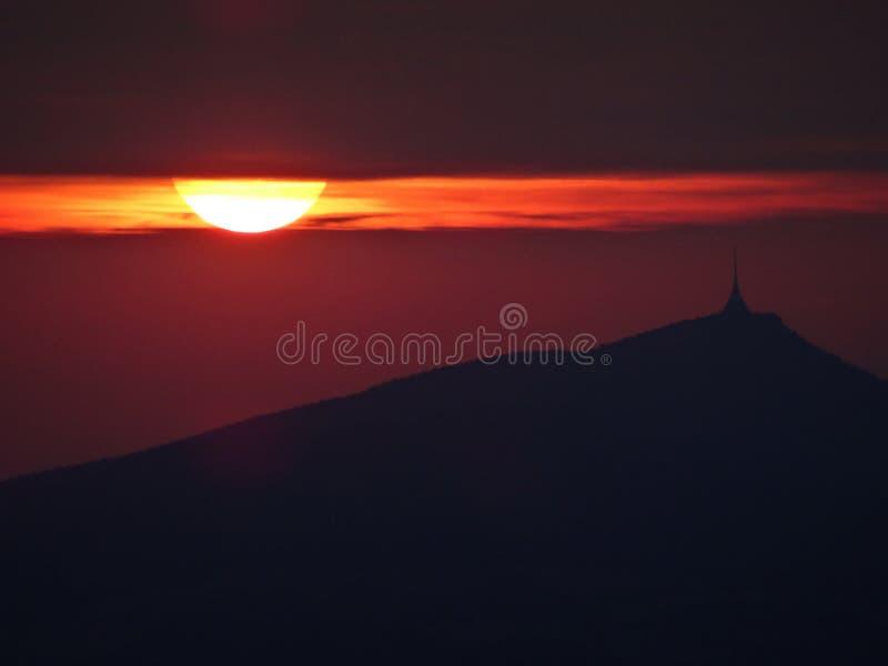 Σκιαγραφία του πύργου Jested στοκ φωτογραφία με δικαίωμα ελεύθερης χρήσης