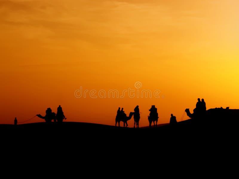 Σκιαγραφία του ταξιδιώτη στοκ φωτογραφίες με δικαίωμα ελεύθερης χρήσης