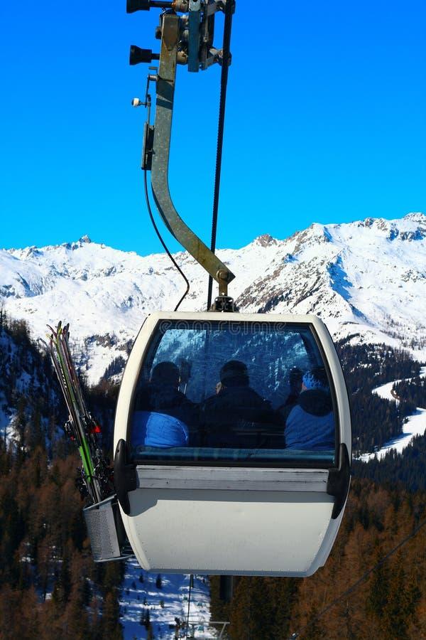 σκι ανελκυστήρων γονδ&omicron στοκ εικόνες με δικαίωμα ελεύθερης χρήσης