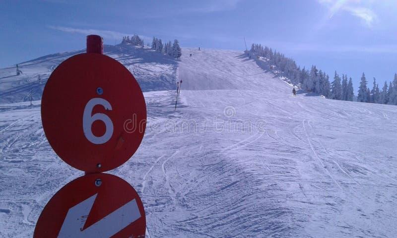 Σκι τοπίων χιονιού της Αυστρίας piste στοκ φωτογραφία με δικαίωμα ελεύθερης χρήσης