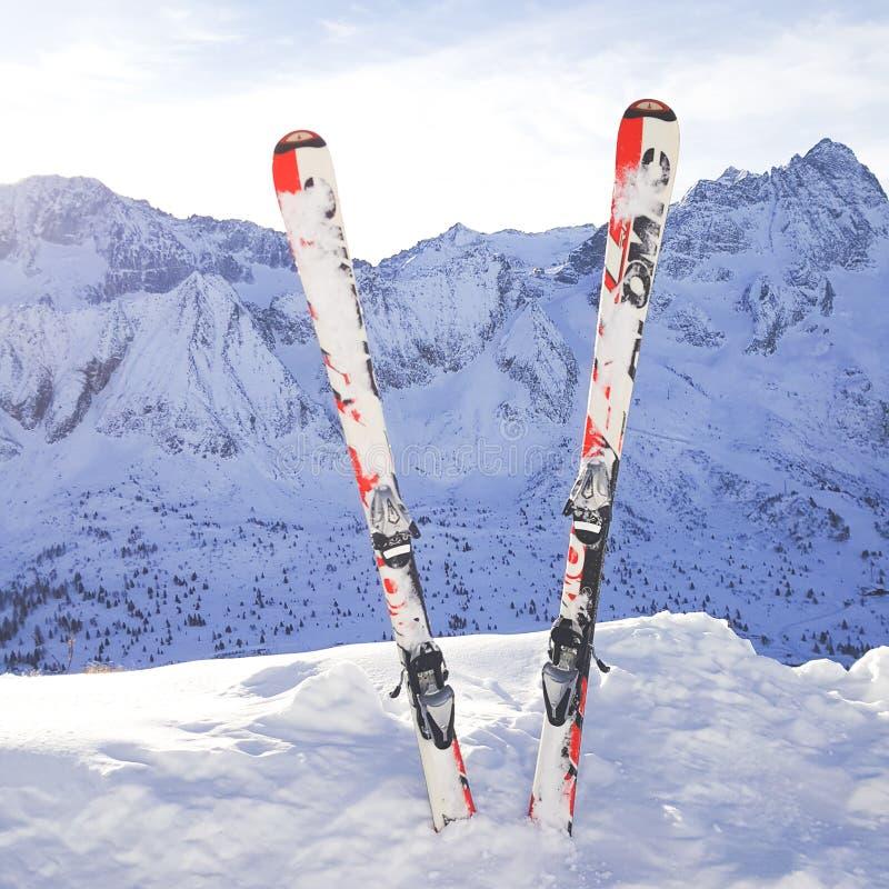 σκι στοκ φωτογραφίες με δικαίωμα ελεύθερης χρήσης