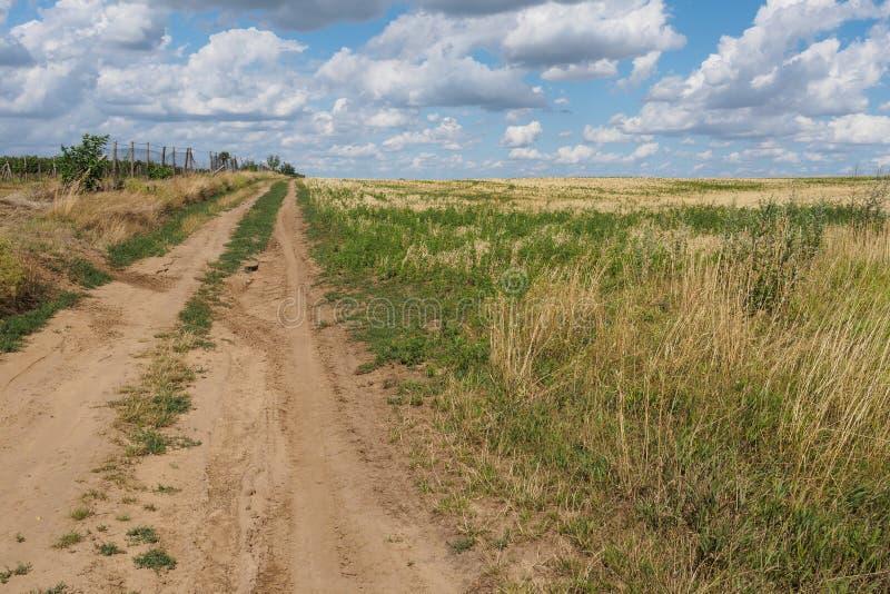 σκονισμένος δρόμος στοκ εικόνες με δικαίωμα ελεύθερης χρήσης