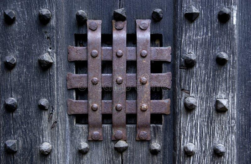 σκοτεινή πόρτα στοκ εικόνες