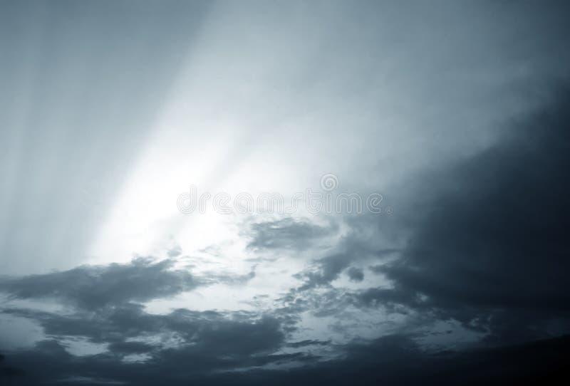 σκοτεινός ουρανός σύννε&phi στοκ φωτογραφία με δικαίωμα ελεύθερης χρήσης