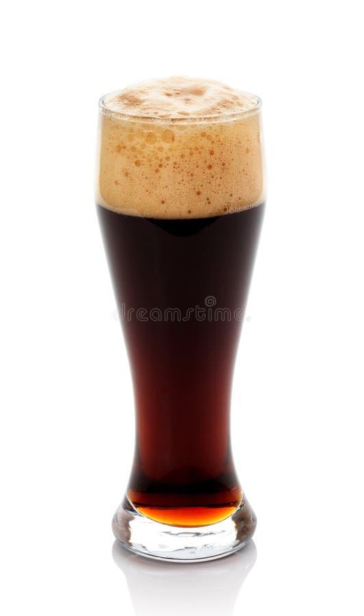 σκοτεινό γυαλί μπύρας στοκ εικόνα