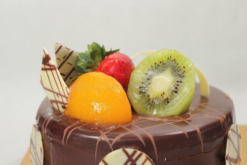 Σκοτεινό γλυκό εύγευστο κέικ σοκολάτας στοκ φωτογραφίες με δικαίωμα ελεύθερης χρήσης