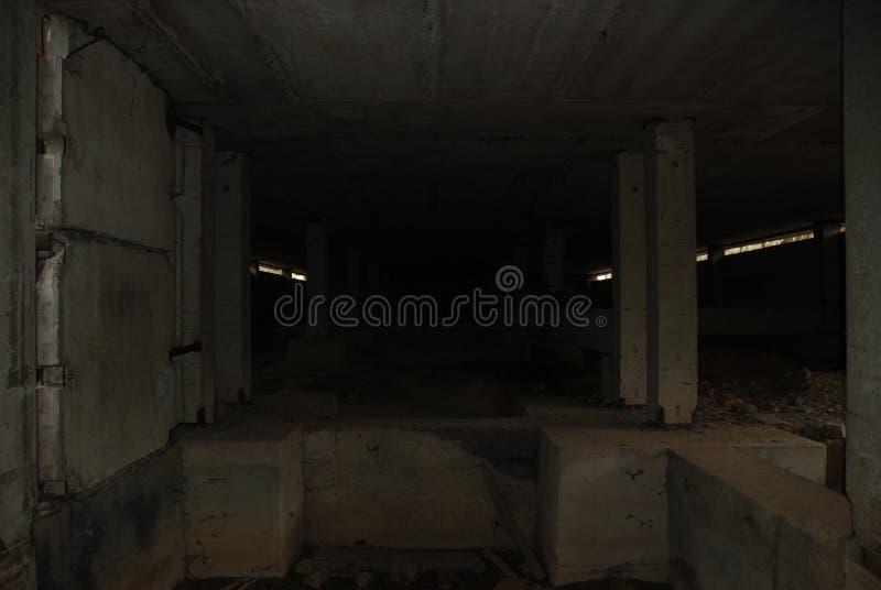 Σκοτεινό και τρομακτικό υπόγειο στοκ εικόνες με δικαίωμα ελεύθερης χρήσης