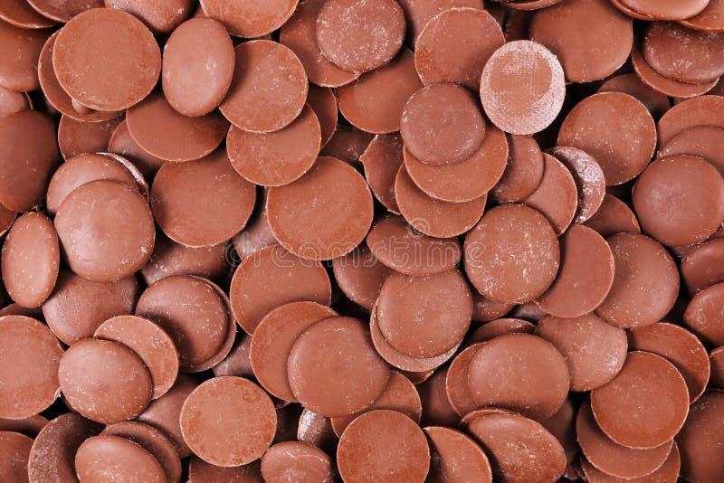 σκοτεινό υπόβαθρο τσιπ σοκολάτας κύκλων στοκ εικόνες με δικαίωμα ελεύθερης χρήσης