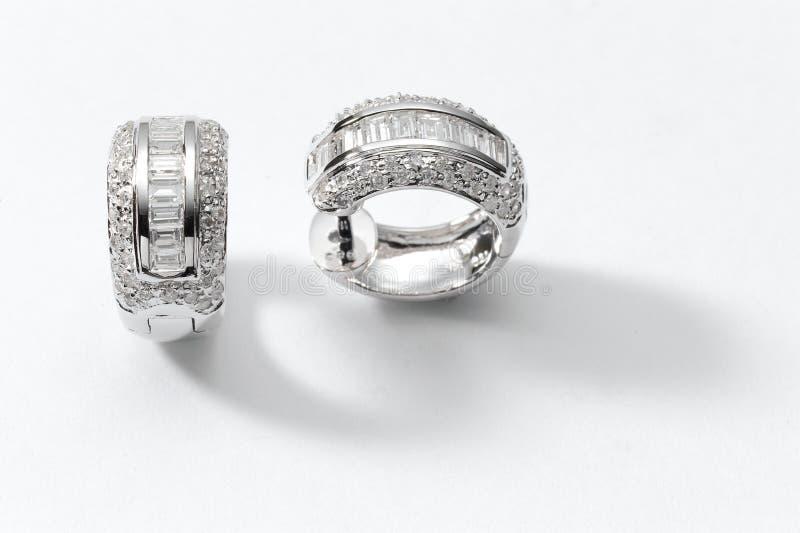 Σκουλαρίκια διαμαντιών στοκ εικόνα με δικαίωμα ελεύθερης χρήσης