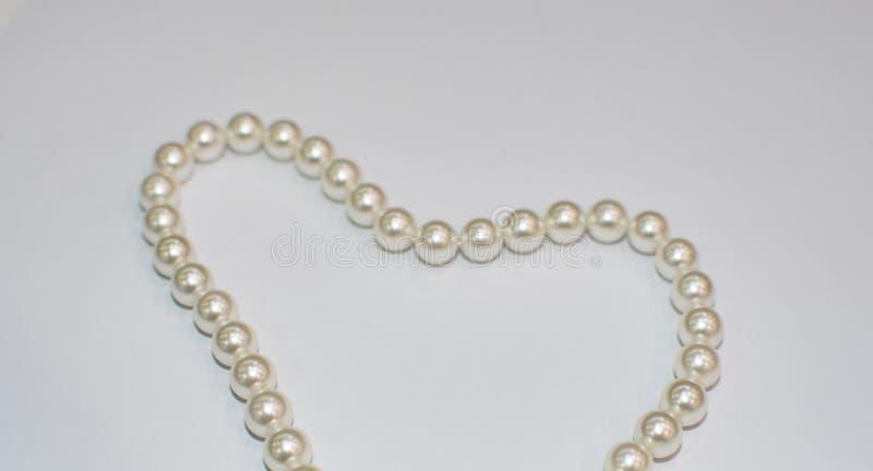 Σκουλαρίκια μαργαριταριών σε ετοιμότητα στοκ φωτογραφία με δικαίωμα ελεύθερης χρήσης