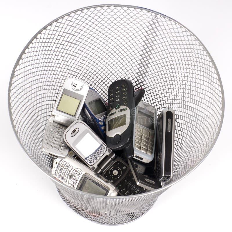σκουπίδια δοχείων στοκ φωτογραφία με δικαίωμα ελεύθερης χρήσης