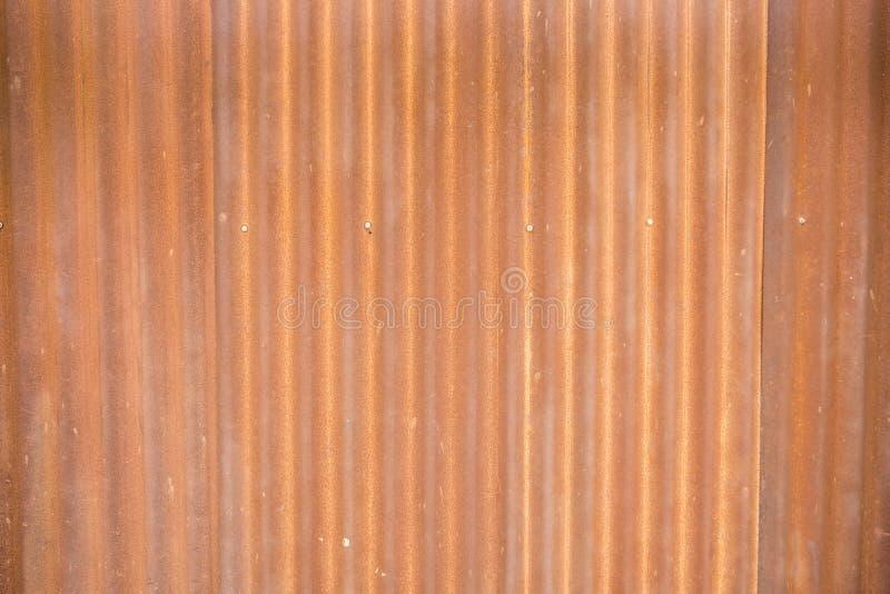 Σκουριά στο φύλλο μετάλλων Ταπετσαρία μετάλλων σκουριάς στοκ φωτογραφία με δικαίωμα ελεύθερης χρήσης