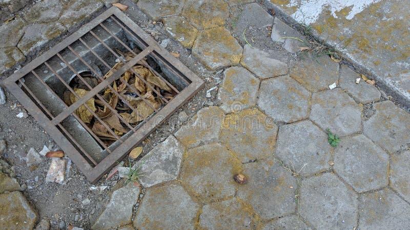Σκουριασμένη αποξήρανση στο πάτωμα επίστρωσης στοκ εικόνες με δικαίωμα ελεύθερης χρήσης