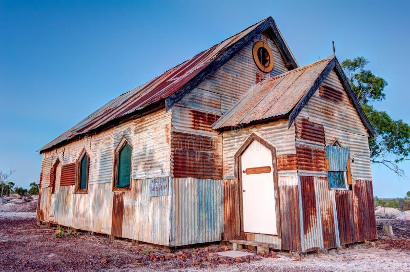 Σκουριασμένη παλαιά εκκλησία στη γωνία της Αυστραλίας 3x2 κορυφογραμμών αστραπής στοκ φωτογραφία