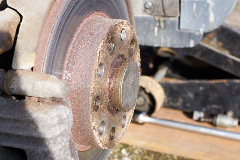 Σκουριασμένος και δίσκος ή στροφέας φρένων στοκ φωτογραφία με δικαίωμα ελεύθερης χρήσης