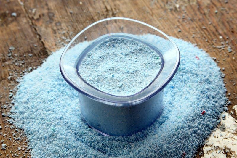 σκόνη πλύσης ή απορρυπαντικό πλυντηρίων στοκ εικόνα με δικαίωμα ελεύθερης χρήσης