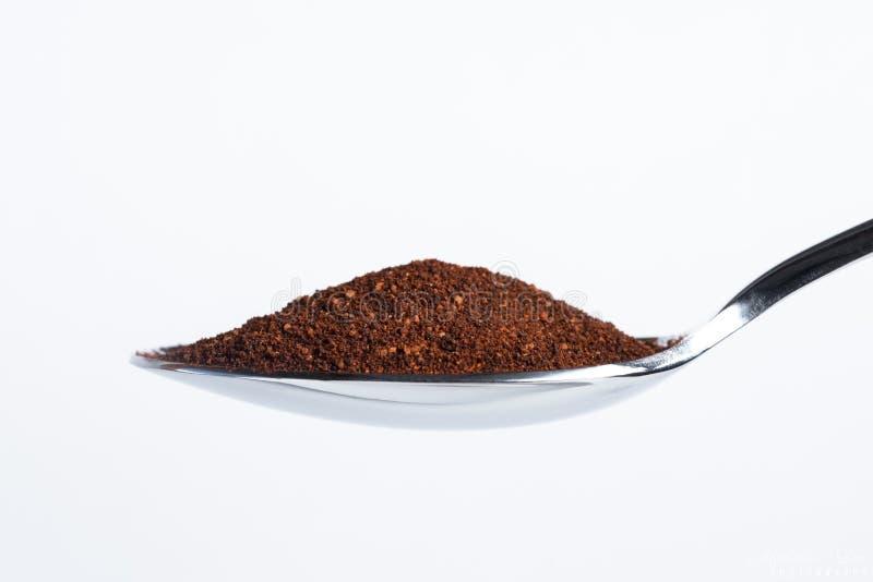 Σκόνη τσίλι Chipotle σε ένα κουτάλι στοκ εικόνα