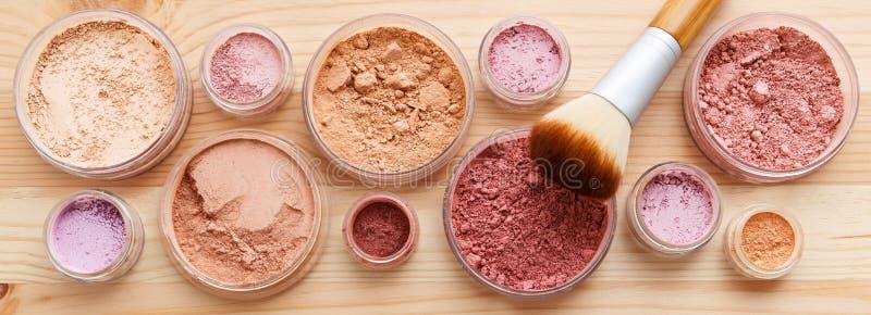 Σκόνη Makeup στοκ φωτογραφία με δικαίωμα ελεύθερης χρήσης