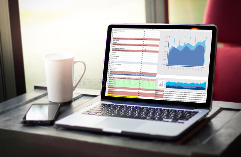 σκληρή επιχείρηση Technol πληροφοριών στατιστικών Analytics στοιχείων εργασίας στοκ εικόνα με δικαίωμα ελεύθερης χρήσης