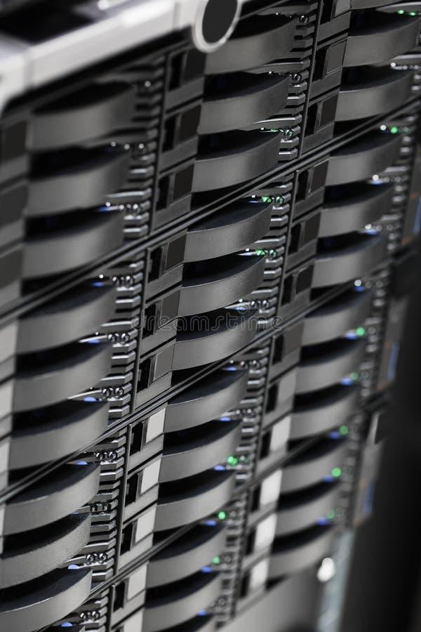 Σκληροί δίσκοι αποθήκευσης SAN στο μεγάλο κέντρο δεδομένων στοκ εικόνα