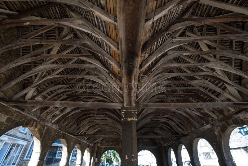 Σμίλευση Campden, Gloucestershire, UK Αψίδες, ανώτατο όριο και εσωτερικό της αίθουσας αγοράς, ιστορικό σχηματισμένο αψίδα κτήριο στοκ φωτογραφία με δικαίωμα ελεύθερης χρήσης