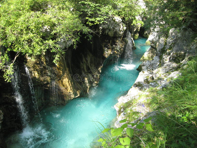 Σμαραγδένιος ποταμός στοκ εικόνα