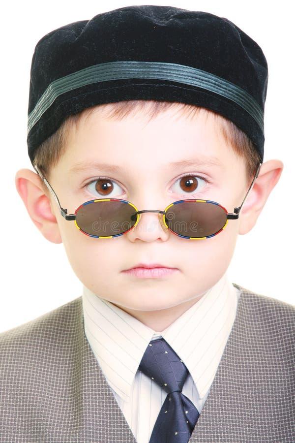 σοβαρά γυαλιά ηλίου κατ&si στοκ φωτογραφίες