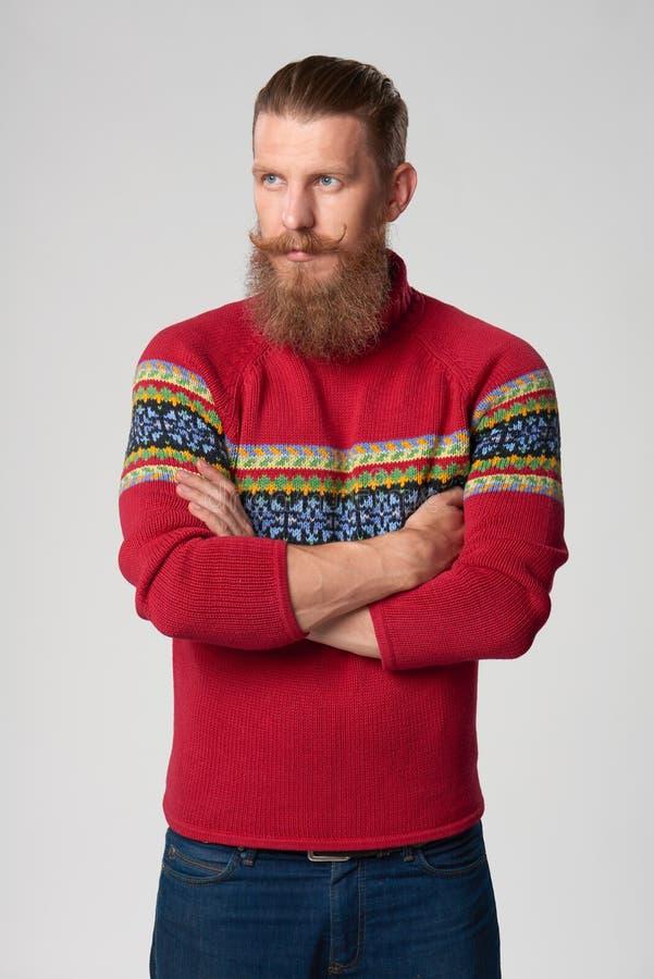 Σοβαρό βέβαιο γενειοφόρο άτομο hipster στοκ εικόνες με δικαίωμα ελεύθερης χρήσης