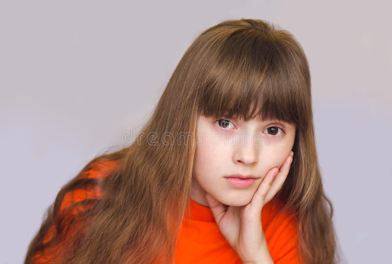 Σοβαρό κορίτσι στοκ φωτογραφίες