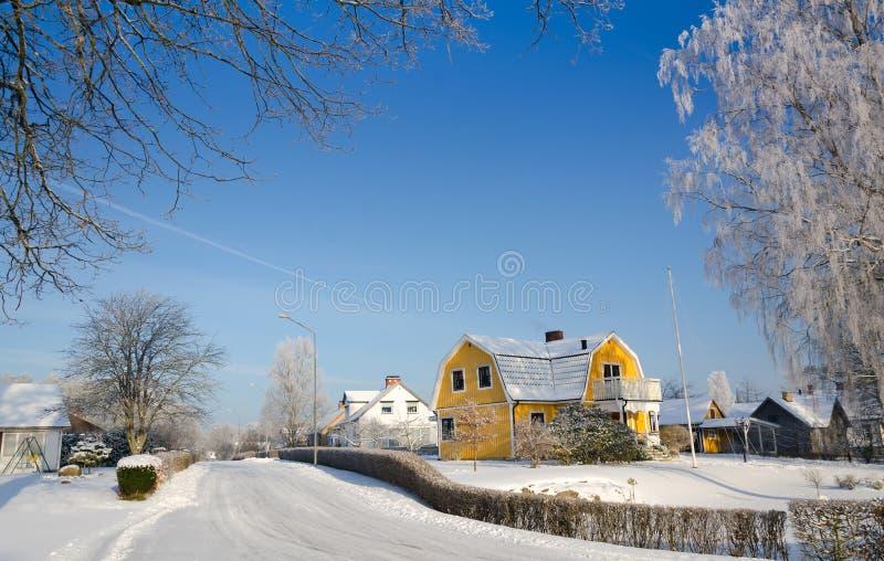 Σουηδικό χωριό το χειμώνα στοκ εικόνες