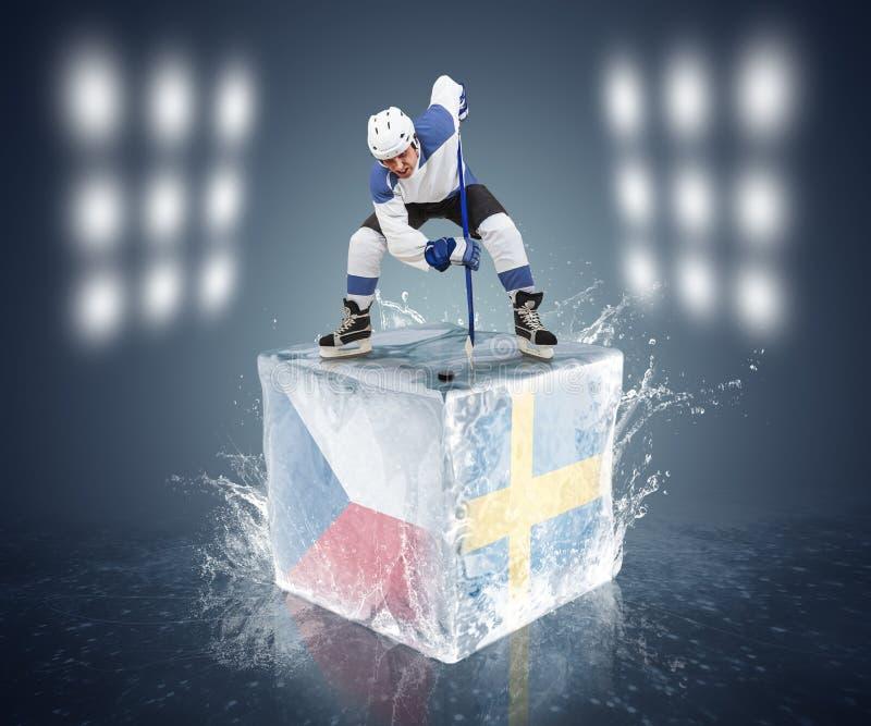 Σουηδία - παιχνίδι πρωταθλημάτων Δημοκρατίας της Τσεχίας. Έτοιμος για πρόσωπο-από το φορέα στον κύβο πάγου. στοκ φωτογραφία με δικαίωμα ελεύθερης χρήσης