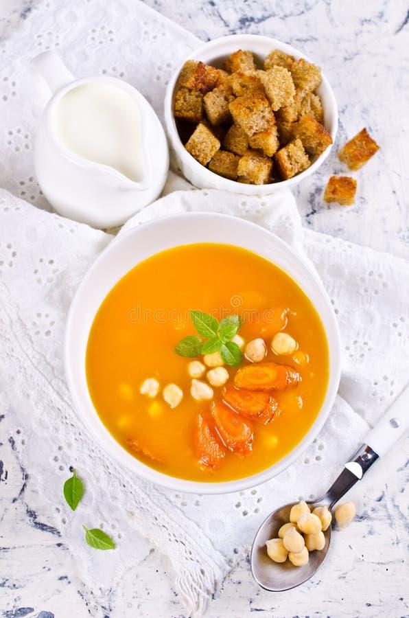 Σούπα κολοκύθας και καρότων στοκ εικόνες