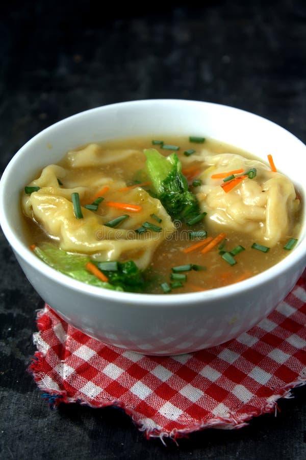 Download Σούπα μπουλεττών στοκ εικόνα. εικόνα από κρεμμύδι, τρόφιμα - 62711753