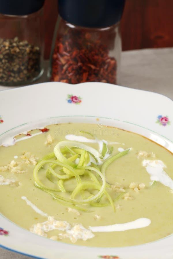 σούπα πατατών πράσων σκόρδο&u στοκ εικόνες