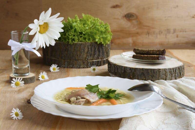 σούπα πιάτων κοτόπουλου στοκ εικόνα