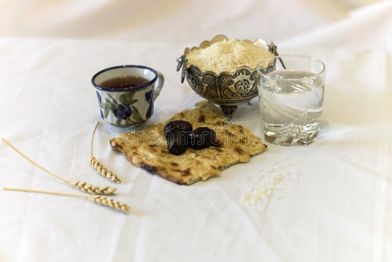 Σπάσιμο Iftar Ramadan γρήγορα στοκ εικόνα