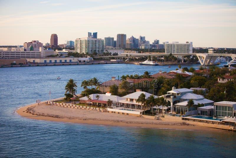 Σπίτια και ορίζοντας του Fort Lauderdale στοκ φωτογραφία